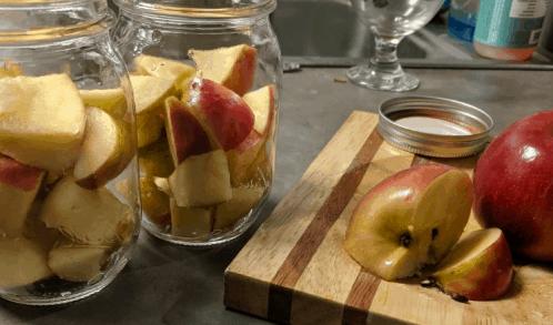 Składniki na ocet jabłkowy