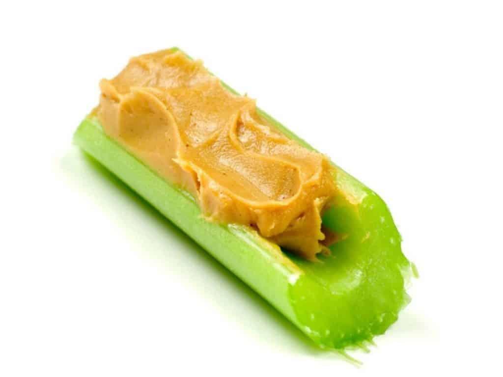 seler naciowy z masłem orzechowym
